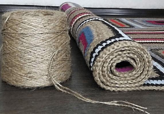 Вяжем коврик из остатков пряжи и другие идеи