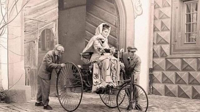 Женщина за рулём. Берта Бенц