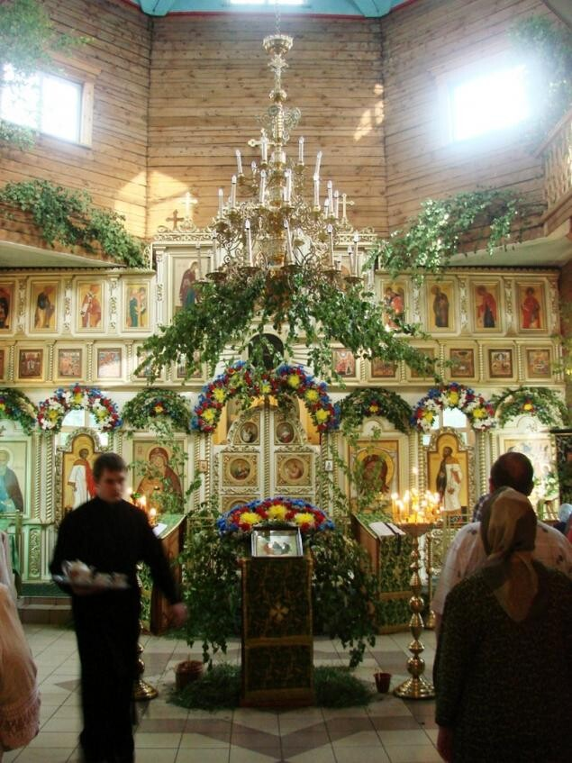 Украшение интерьера на Троицу