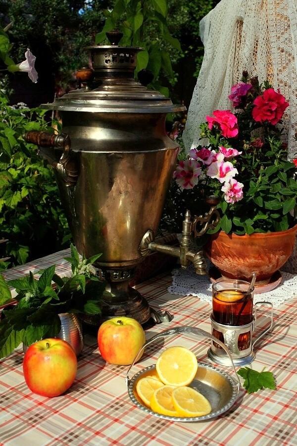 Пьём чай и встречаем новый день