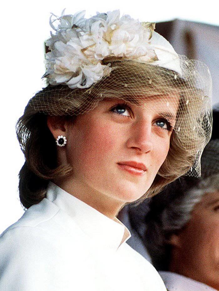 Диана Фрэнсис Спенсер -  Принцесса Уэльская Диана.