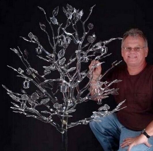 Роберт Микельсон (Robert Mickelson) – американский художник-стеклодув