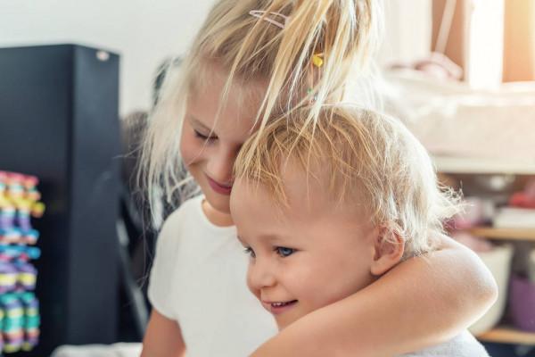 Две сестры. Автор рассказа неизвестен