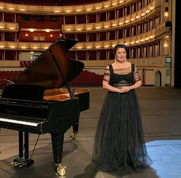 Анна Юрьвна Нетребко