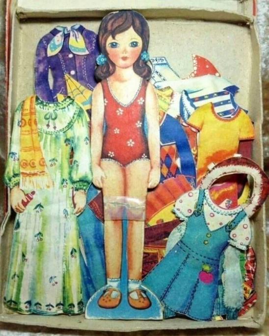 Бумaжные вырезные куклы