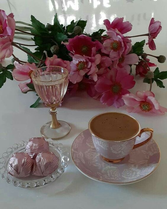 Удивительно, как много ответов может прятаться в одной маленькой чашке кофе, выпитой в тишине...