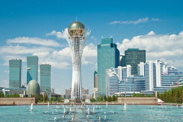 Казахстан. Автор: Леонид Радзиховский (политолог)